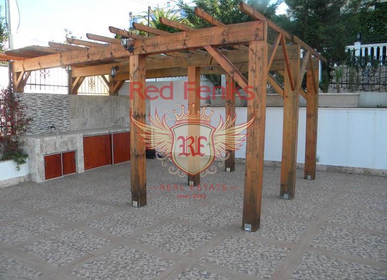 Вилла в Утехе в 30 метрах от Моря, в комплексе с Бассейном Бар, Вилла в Бар Черногория