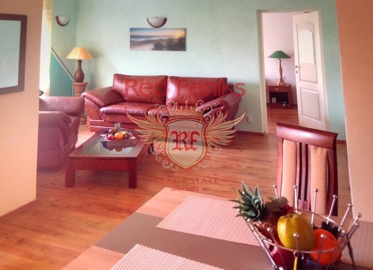 Великолепный трехэтажный дом в Будве, купить виллу в Будва