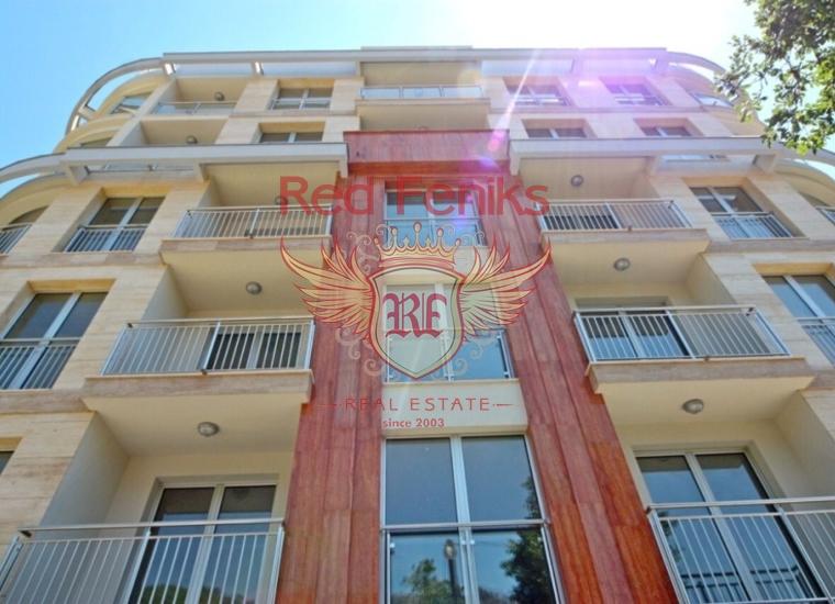 Новая квартира в жилом комплексе площадью 93м2 расположена на 3 этаже.