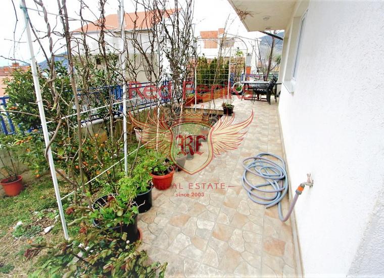Таунхаус с двумя спальнями и видом на море в Херцег Нови, Квартира в Херцег Нови Черногория