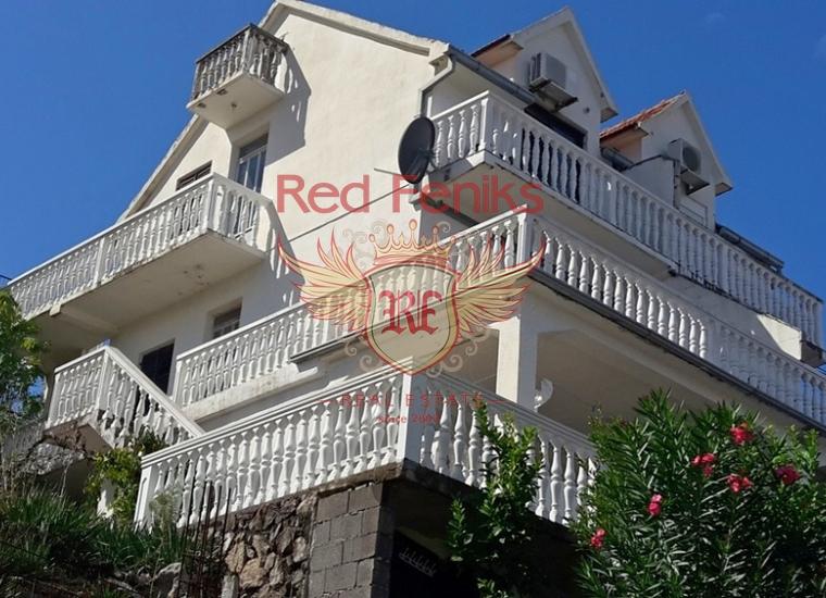 Продается уютный дом в Крашичах площадью 103м2 плюс террасы, на участке площадью 160м2.