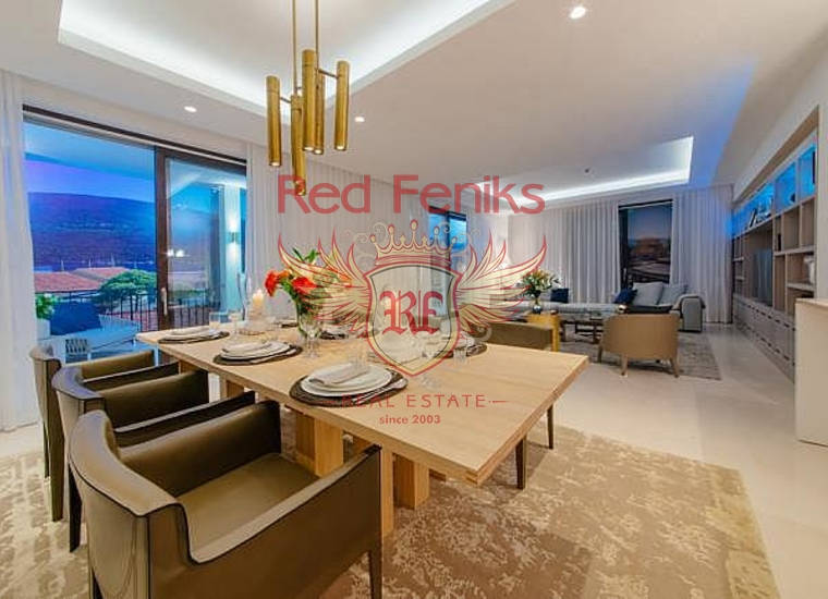Недвижимость класса люкс в жилом комплексе в Кумбор, Квартира в Херцег Нови Черногория