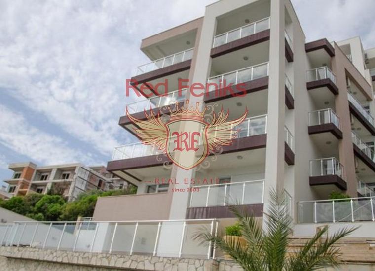Продаются просторные квартиры в комплексе на первой линии Истра, в Добра Вода, Черногория.