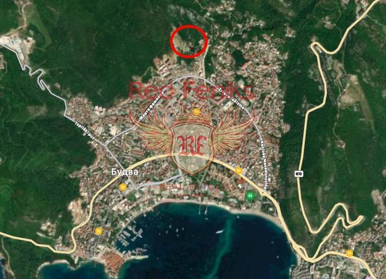 Продается урбанизированный участок в Будве с панорамным видом на море.