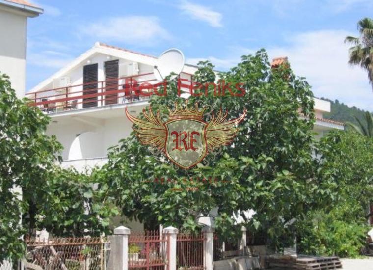 На продажу 3 дома в центре Будвы, Черногория.