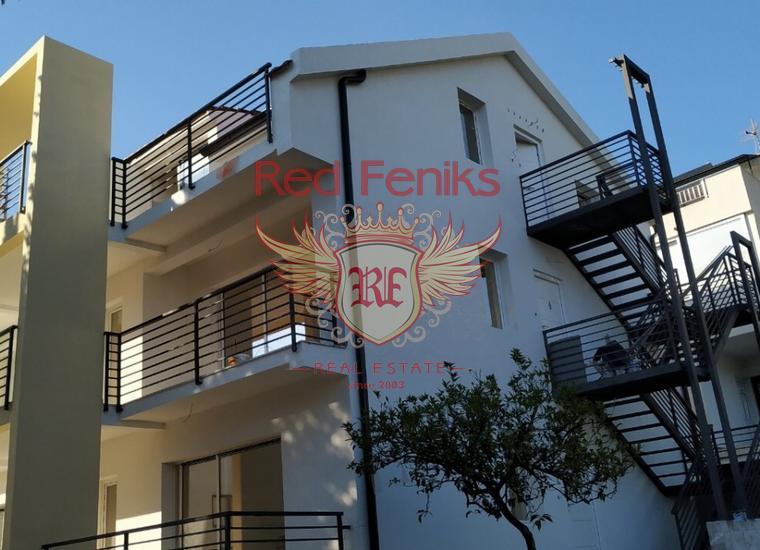 Продаются 6 квартир в Селяново в однос здании в Тивате, собственный двор и парковка.