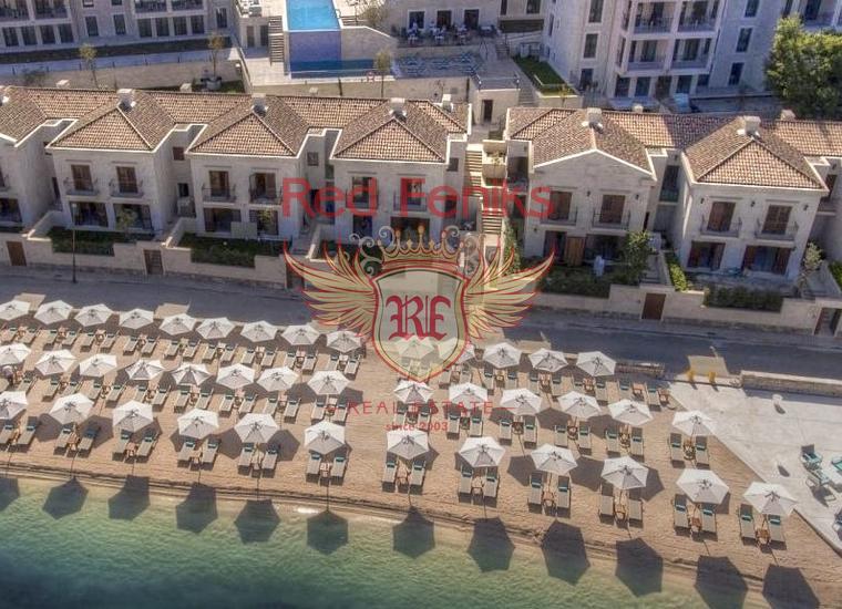 Виллы в курортном поселке на берегу моря в Доброте, купить дом в Которский залив