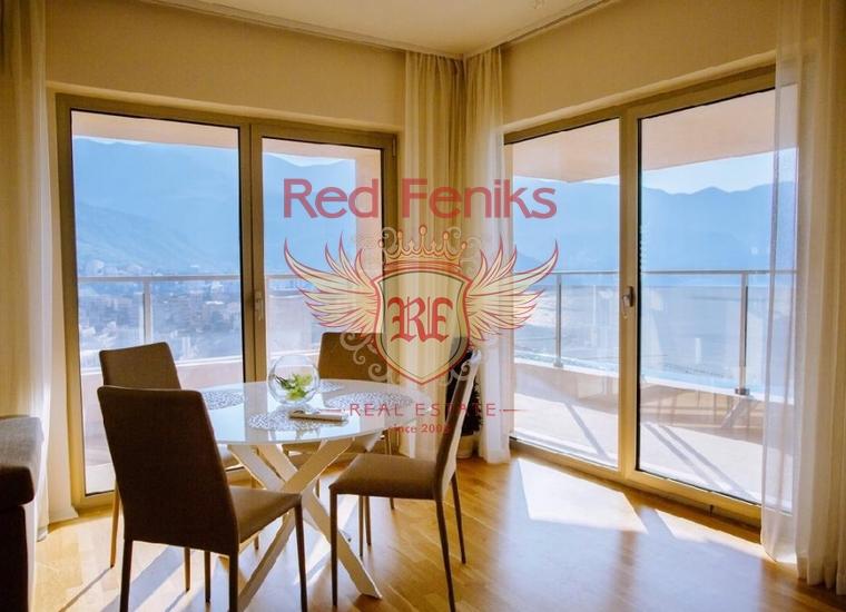 Продается апартамент с 3 спальнями и гостиной возле моря с панорамным видом на море, горы и город Будва и Бечичи, общая площадь 119 м2.