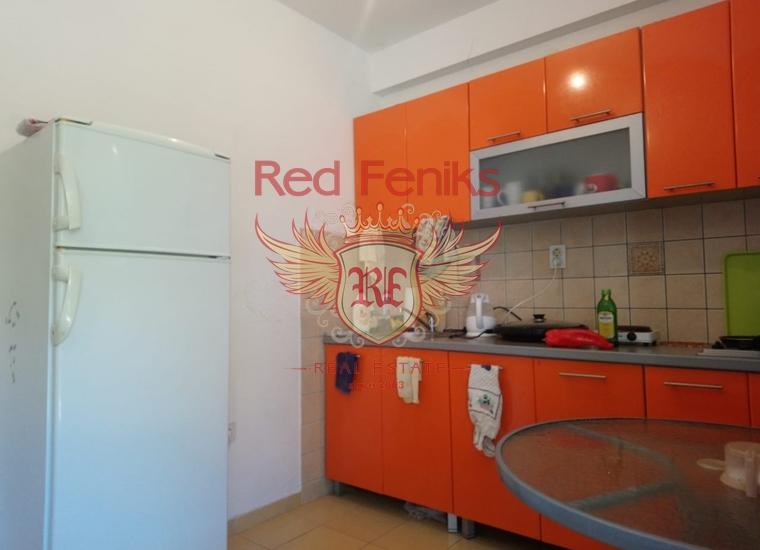 Двухуровневая квартира с 2 спальнями на берегу Бока-Которского залива, купить квартиру в Каменари
