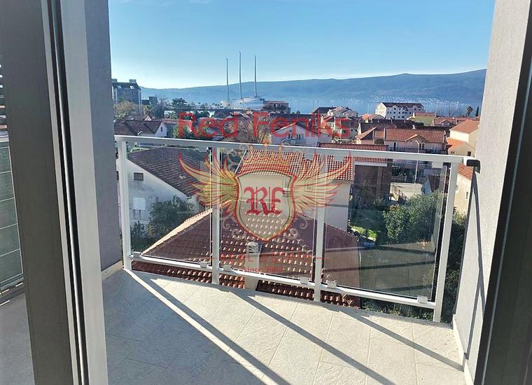 Новый пентхаус с панорамным видом на море в Тивате, Квартира в Тиват Черногория
