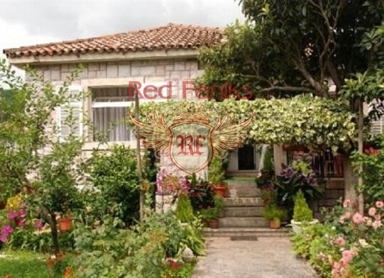 Продается дом в Каменари, расположенный на участке 751м2.