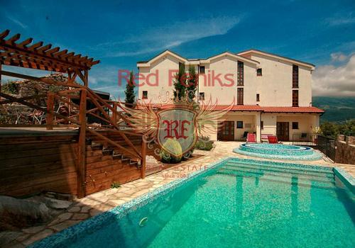 Полностью готовый комплекс вилл VIP- класса для постоянного проживания и отдыха, выполненный в средиземноморском стиле, откуда открывается великолепный вид на Тиватский залив и Порто Монтенегро.
