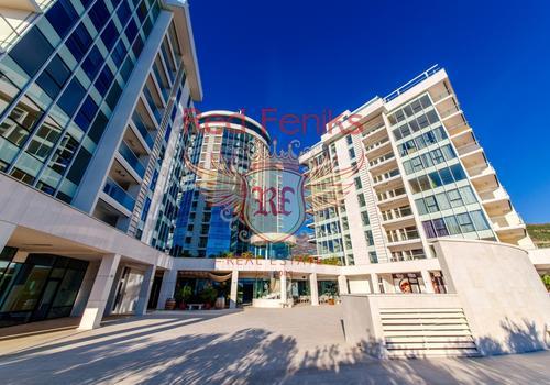 Продается двухкомнатная квартира в элитном комплексе на первой линии в Будве.