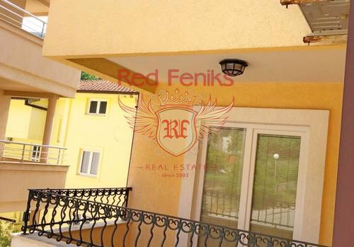 Площадь отеля 600м2 Площадь участка 357 В отеле находить 17 апартаментов из них 4 - двухкомнатных номер и 13 номеров студий.