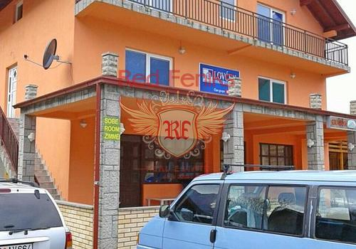 Мини отель площадью 350м2 расположен на участке площадью 300м2.