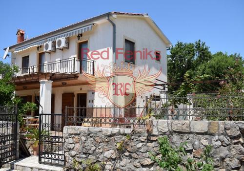 На продажу двухэтажный дом в поселке Кримовица, Будванская ривьера, Черногория.